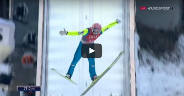 Bardzo groźnie wyglądający skok Stefana Krafta w serii próbnej na 79m!