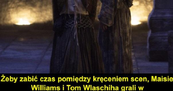 Między kręceniem scen Maisie Williams i Tom Wlaschiha…