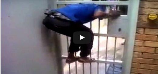 No jak on to niby zrobił? Człowiek guma pokazuje jak uciec z więzienia! Video