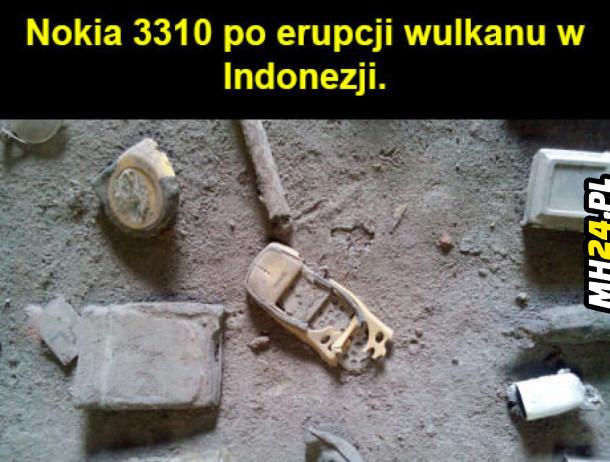 Nokia 3310 po erupcji wulkanu w Indonezji
