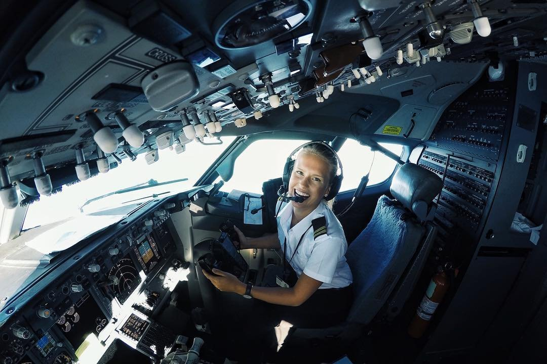 Najgorętsza pani pilot Lifestyle   Najgorętsza pani pilot Lifestyle   Najgorętsza pani pilot Lifestyle   Najgorętsza pani pilot Lifestyle