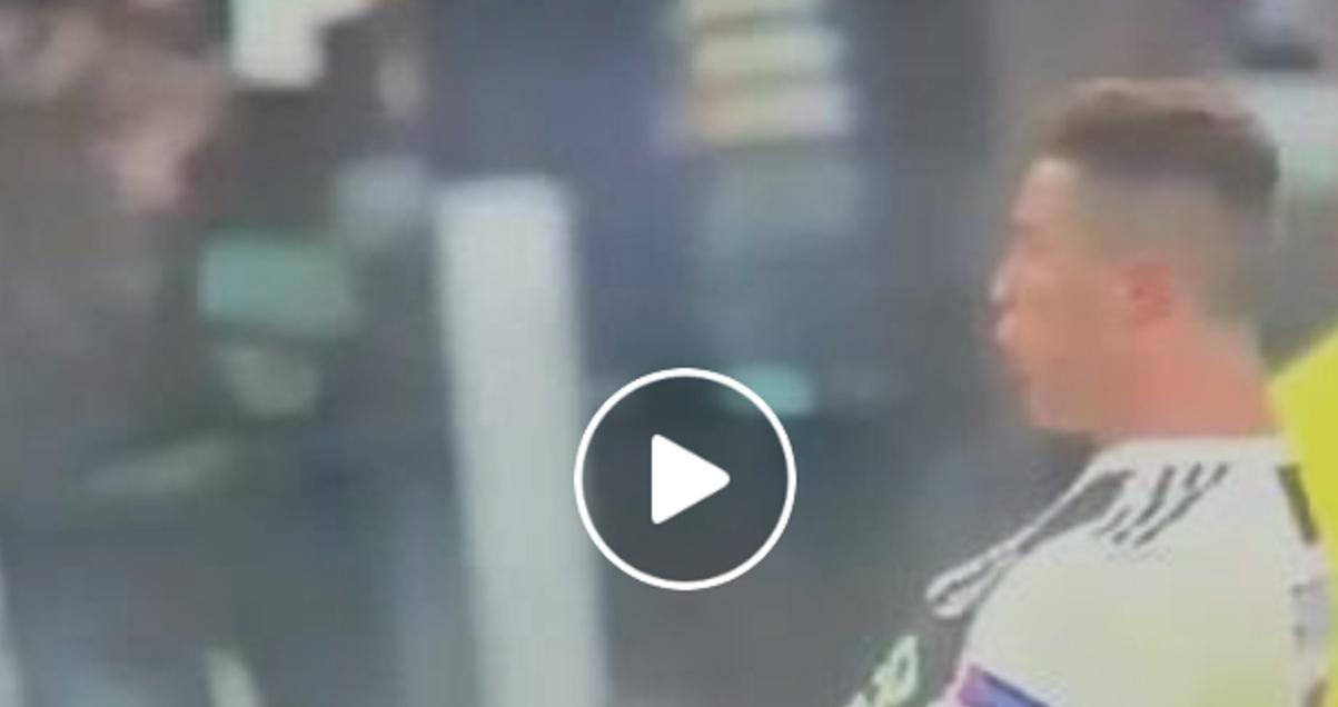 Cristiano Ronaldo wykonuje gest Diego Simeone